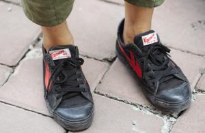 成都哪里有卖回力鞋_脚踩回力鞋 寻找曾经的感觉(图)