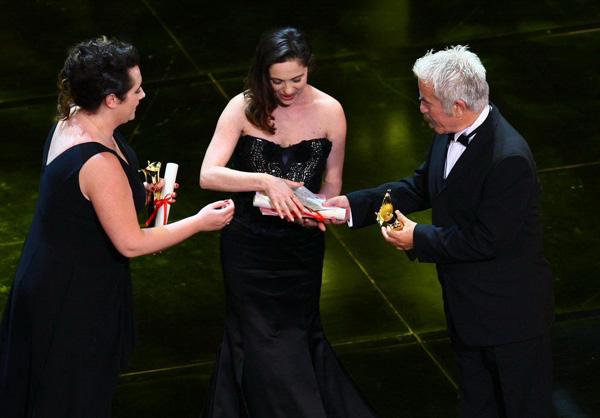 土耳其电影《伤不起的女人》获最佳影片(点击进入更多组图)