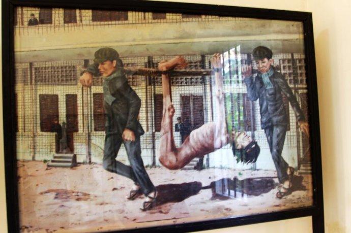 赤柬博物馆又名吐斯廉屠杀博物馆,S-21集中营,早期为一处集中营,于1975年至1979年间,曾被柬埔寨共产党(红色高棉)政权用作屠杀地点。