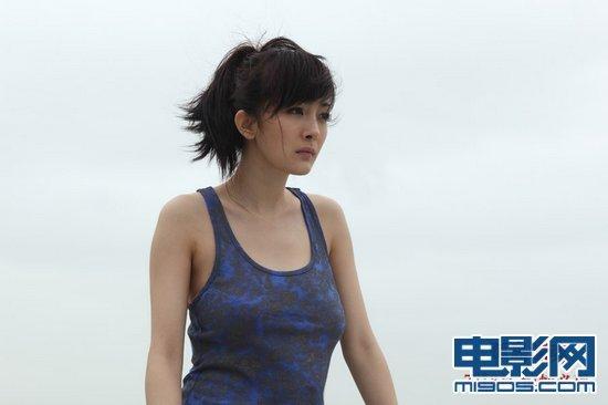 《孤岛惊魂》性感剧照 杨幂脱内衣安雅大秀酥胸