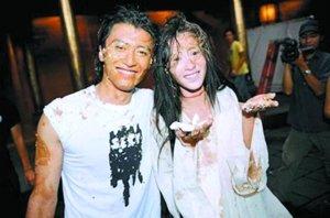 2004年,张柏芝与谢霆锋在庆生会上表现暧昧。