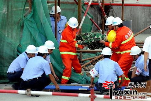 小; 新疆乌鲁木齐建委举行建筑工地坍塌事故救援演练; > 应急通信
