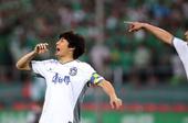 图文:[中超]北京1-1天津 李玮锋在比赛中