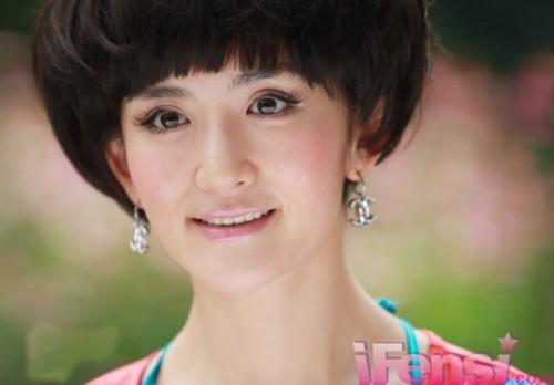 """谢娜何炅吴昕维嘉海涛 """"快乐家族""""写真曝光(组图)"""