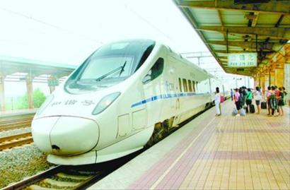 东连年内通车的哈大客运专线,是连接辽东半岛与辽西走廊和关内的快捷