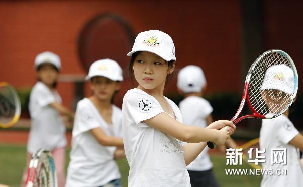 明日之星小学校园白马组图走进重庆(项目)小学京城网球图片