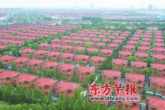 华西村农民别墅小区-中国村支书 华西村 共富不是均富不是坐享其成图片