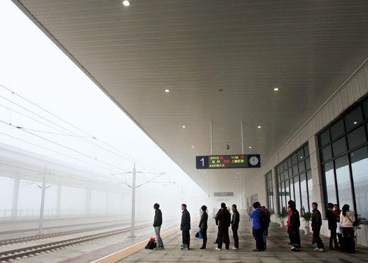 2010年12月1日上午,沪杭高铁嘉善南站的站台