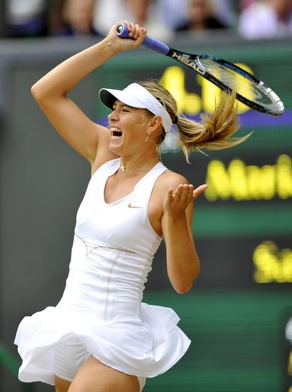 半决赛中,莎拉波娃以6比4、6比3击败德国黑马利斯基。CFP 图
