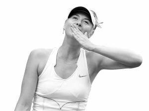 7年后,莎娃重返温网决赛