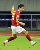 图文:[中超]杭州1-3广州 郜林在进球后庆祝
