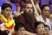 图文:[乒超]北京女团0-3大同 大胡子球迷