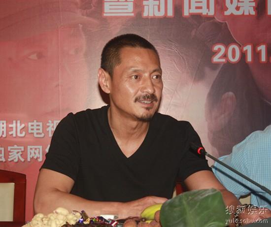 尹铸胜接受采访