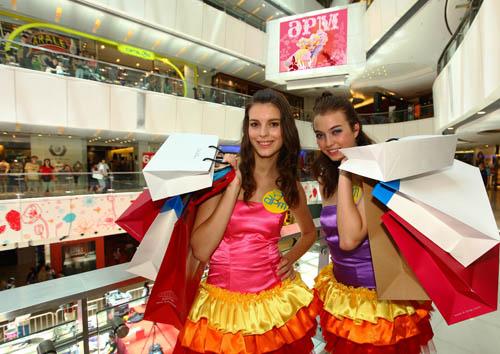 香港首创夜行潮流购物新热点