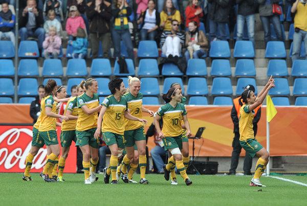 澳大利亚庆祝进球