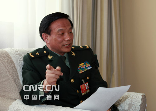 王洪尧任总装备部政委 接替迟万春