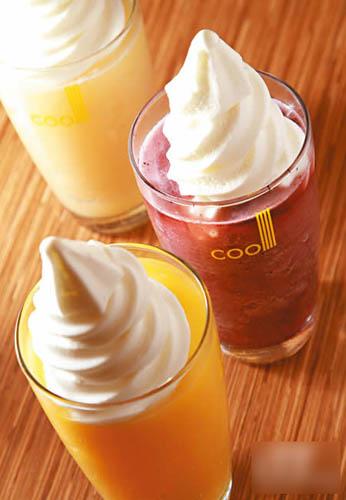 鲜果乳酪冰饮($30),有白桃味、芒果味和蓝莓(misocool)