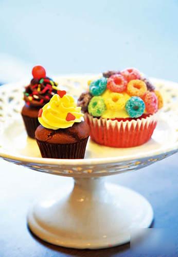 House made 精致cupcake 迎合港人口味,减轻甜度(迷你$10 、大$20),只限跑马地店有售。(yogo)