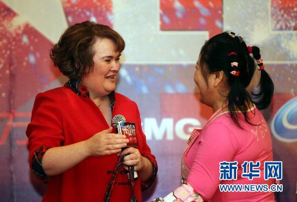 英国草根偶像 苏珊大妈 抵沪助阵 中国达人秀 盛典