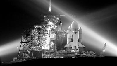 发射架上的航天飞机.资料照片