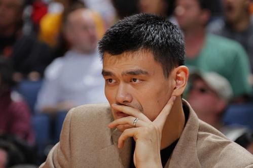 NBA官网发布消息称中国篮球明星姚明已经决定退役