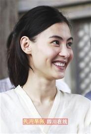 张柏芝9日在深圳密会干爹她可能以自传形式将婚变始末大白于天下