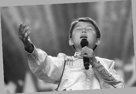 乌达木现场演唱-中国达人秀 总决赛六强选手未来安排曝光