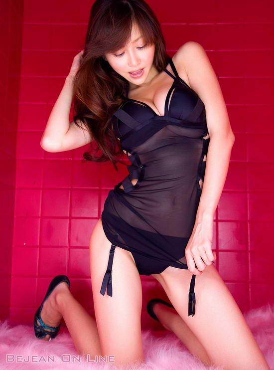 日本苍井空老师裸体照图片_继苍井空老师代言游戏并来华宣传某游戏之后,传言又一知名日本女优