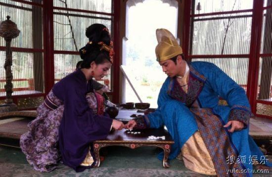 李治与武媚娘下棋