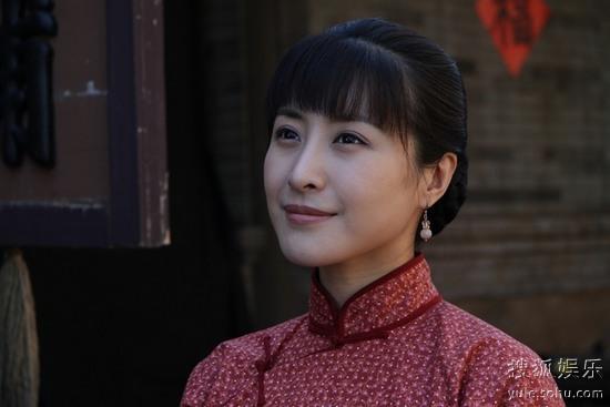 王雅捷/王雅捷饰菊子