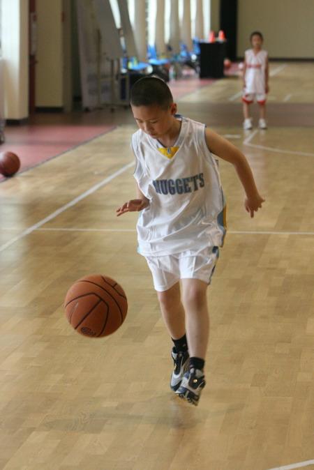 李群篮球训练营