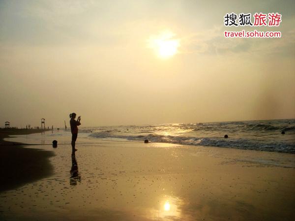01乐亭浅水湾日出时分