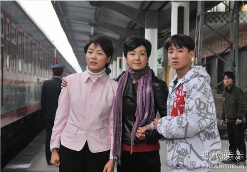 温情戏《我的三个母亲》
