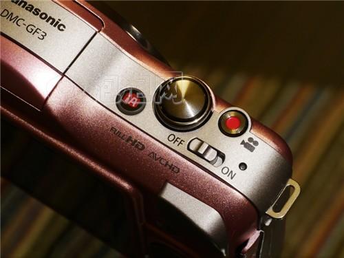 机顶有独立的iA快捷键和视频拍摄快捷键
