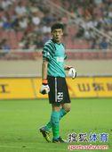 图文:[中超]上海1-1辽宁 王大雷开小差