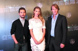 《变形金刚3》上海首映 亮点与遗憾并存