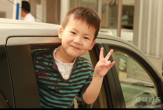 在搜狐微博报名参演7电影的小男孩冀子恒