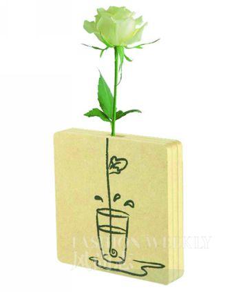 花瓶图案手绘简易彩色