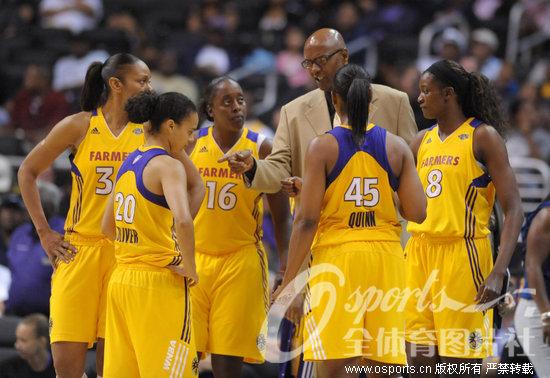 WNBA常规赛 科比父亲执掌洛杉矶火花