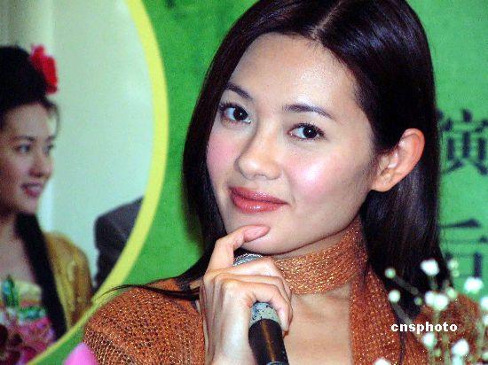 三级片女星李丽珍分享美容心得 自曝曾打瘦脸针