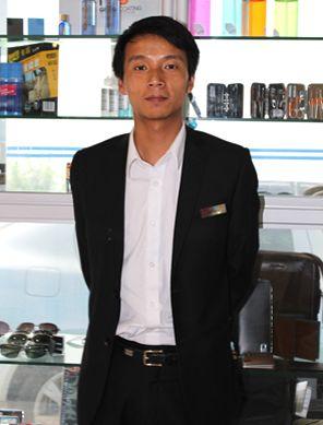 云南健中冈仁福福特4S店精品部经理陈帅/昆明合达海马4S店美容精品部副经理郭静