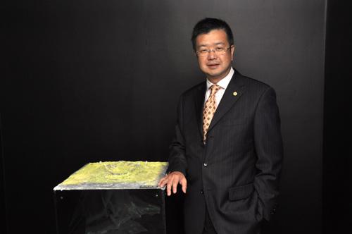 荣昌集团有限公司(WCJ)主席及行政总裁杜源宁