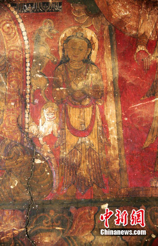 丹巴发现的精美壁画 根秋多吉
