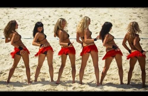 沙滩火辣女孩花样比基尼激情热舞