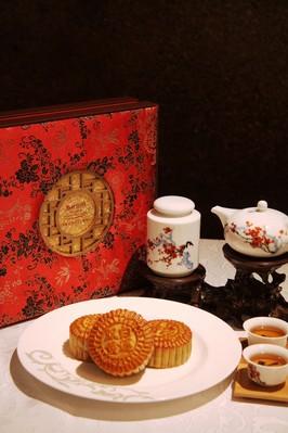 上海新发展亚太万豪酒店倾情奉献精美月饼礼盒