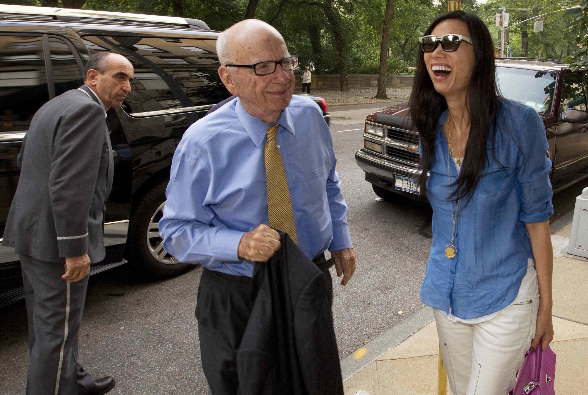 卡梅伦接受质询拖政敌下水 道琼斯前CEO或被查