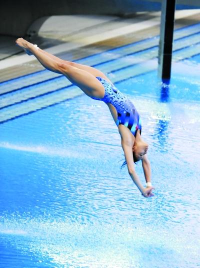 辉煌背后,对每一名跳水运动员来说,跳水之痛同样无法回避.图片