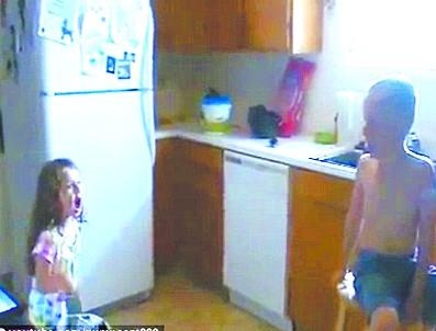 5岁女生求婚7岁男孩被吓哭(图)的胸好女孩软图片