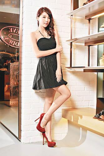 长腿高跟陈嘉桓长腿高跟美女长腿高根美女  竖