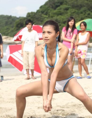 周秀娜打排球有模有样 竖
